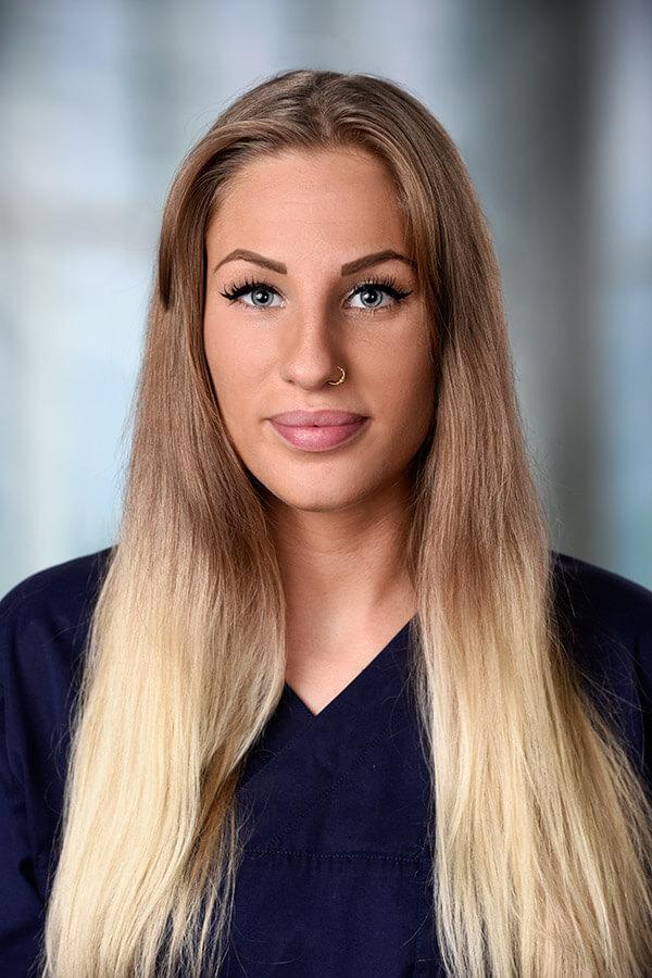 Team Zahnarztpraxis Kashi (Hamburg) - Frau Lindner